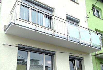 Kompleksowy remont balkonu wraz z montażem nowej balustrady rok.2014 Warszawa ul. Wernyhory 8a, Warszawa