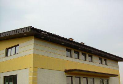 Ul. Mochtyńska, Warszawa, 2009r Szkoła Polsko-Angielska pow.220m2 Wykonanie pokrycia dachu blachą trapezową
