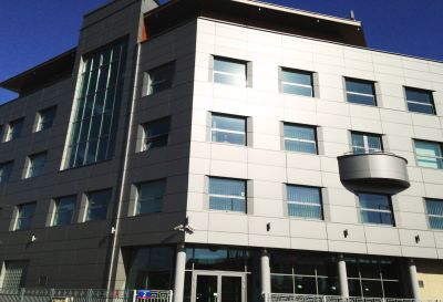 Ul. Równoległa 2, Warszawa 2012r – Budynek biurowy, pow. 2960m2 Kompleksowe wykonanie pokrycia dachowego