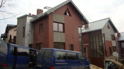 Libertów k/Krakowa, 2010r – Zespół budynków wielorodzinnych pow. 1250m2 Remont pokrycia dachu w technologii podwójnego rąbka stojącego z blachy aluminiowej